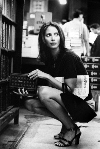 1-christie-turlington-in-the-strand